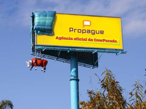 "Propague - Parachut ""Propague Cow Parade's official Ad Agency"""