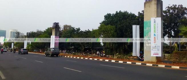 umbul-umbul Clean Up Jakarta Asia Afrika 2