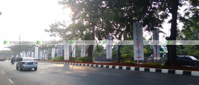 umbul-umbul Clean Up Jakarta Gerbang Pemuda 2