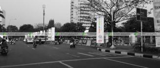 umbul-umbul Clean Up Jakarta Gerbang Pemuda